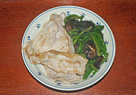 豚と椎茸とピーマン