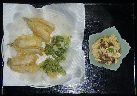 ふきのとうの天ぷらとつくしの卵とじ
